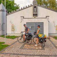 Kunstprojekt Sachsenspiegel mit Radfahrern, Reppichau © WelterbeRegion Anhalt-Dessau-Wittenberg, Uwe Weigel, 2020 (2)